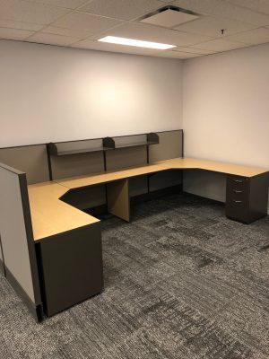 AIS 6' x 6' u-shape modular workstations