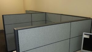 Global Boulevard Evolve 6' x 6' used workstations