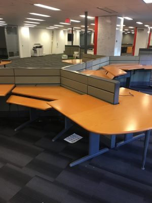 Teknion Transit workstations for traders