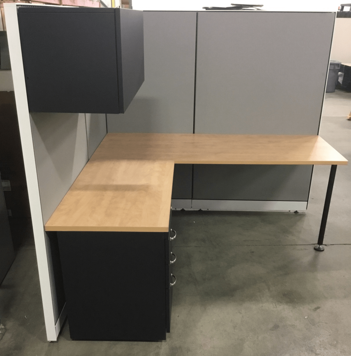 Steelcase Kick 6′ x 6′ L-shaped Workstation