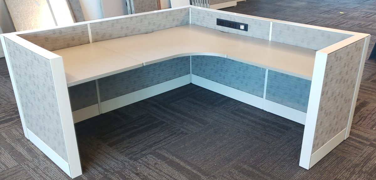 Teknion Leverage 6′ x 6′ L-shape Worksurface