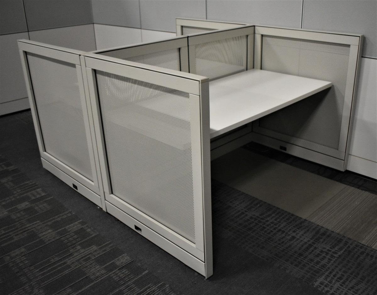 Steelcase Kick 2 1/2'x5′ Touchdown Workstations